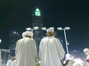 sebelum sholat subuh di Masjidil Harom (lantai atas)