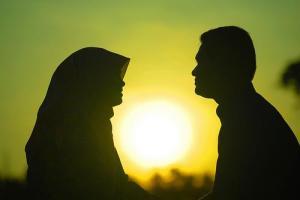 kemesraan suami istri